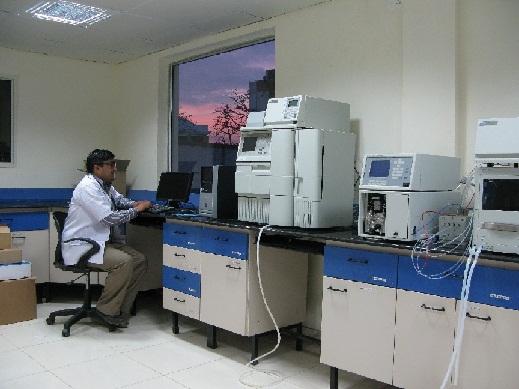 High Performance Liquid Chromatography Instrument