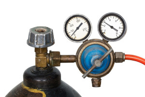 Which type of gas regulator is suitable for Gas Chromatography?