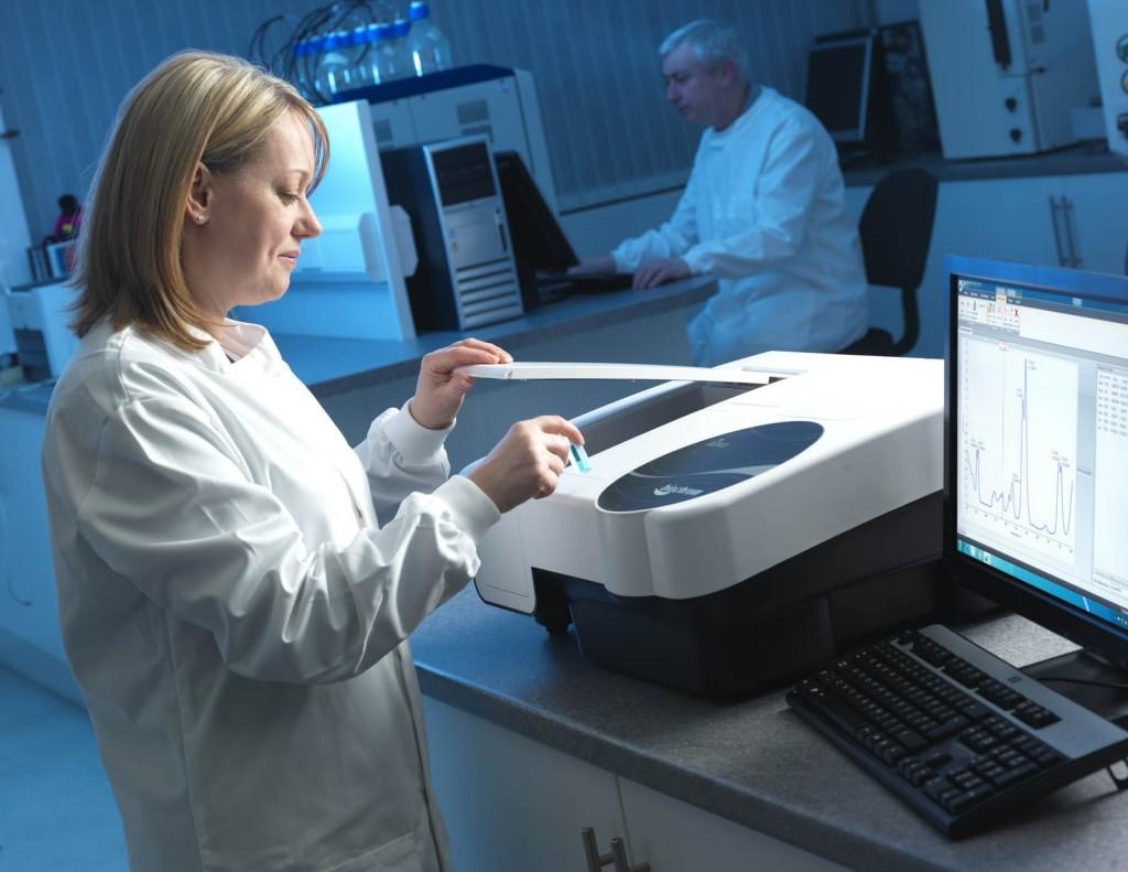 How to ensure accuracy in Quantitative estimations using UV – VIS spectroscopy?