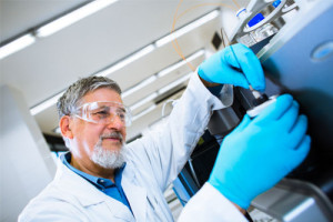 How is Liquid- Liquid Chromatography different from Liquid- Solid Chromatography?