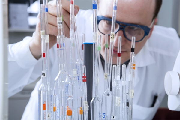 Deciding between Glass and Plastic laboratory ware